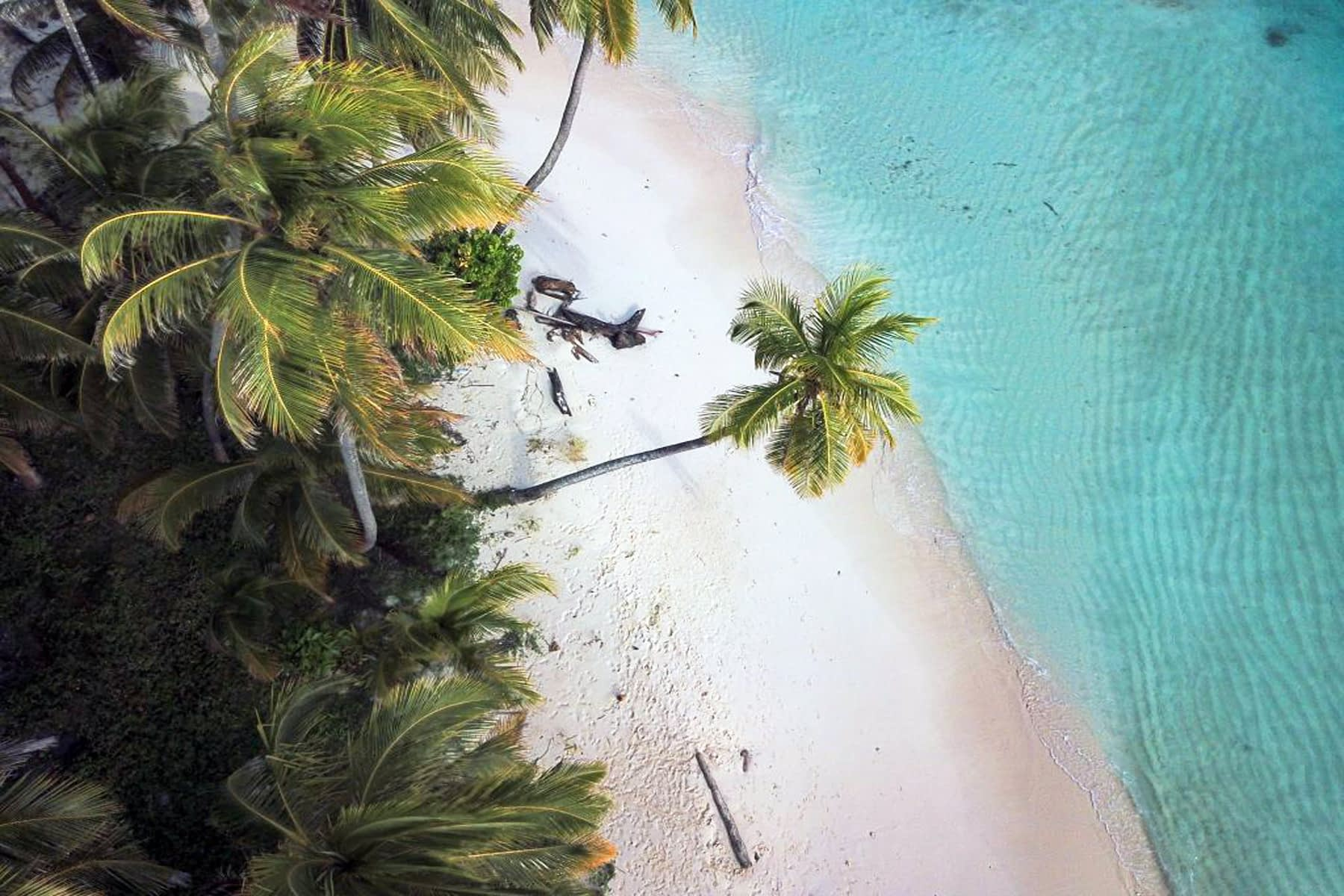 Vista aérea de la isla en Gaimaudubgan
