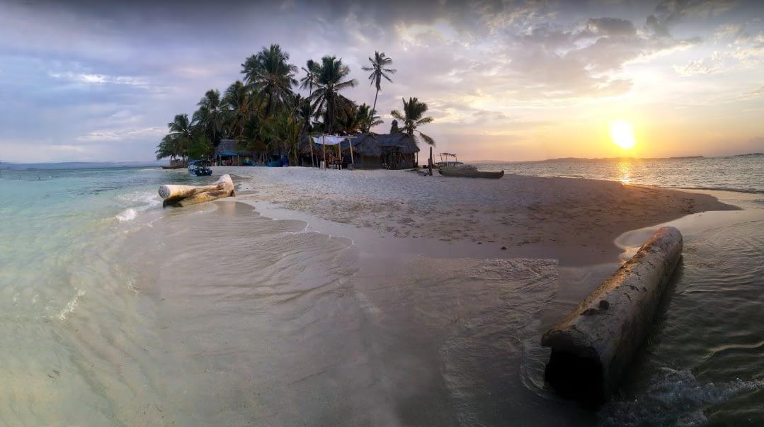 Atardecer en la islas Virgenes de Gunayala