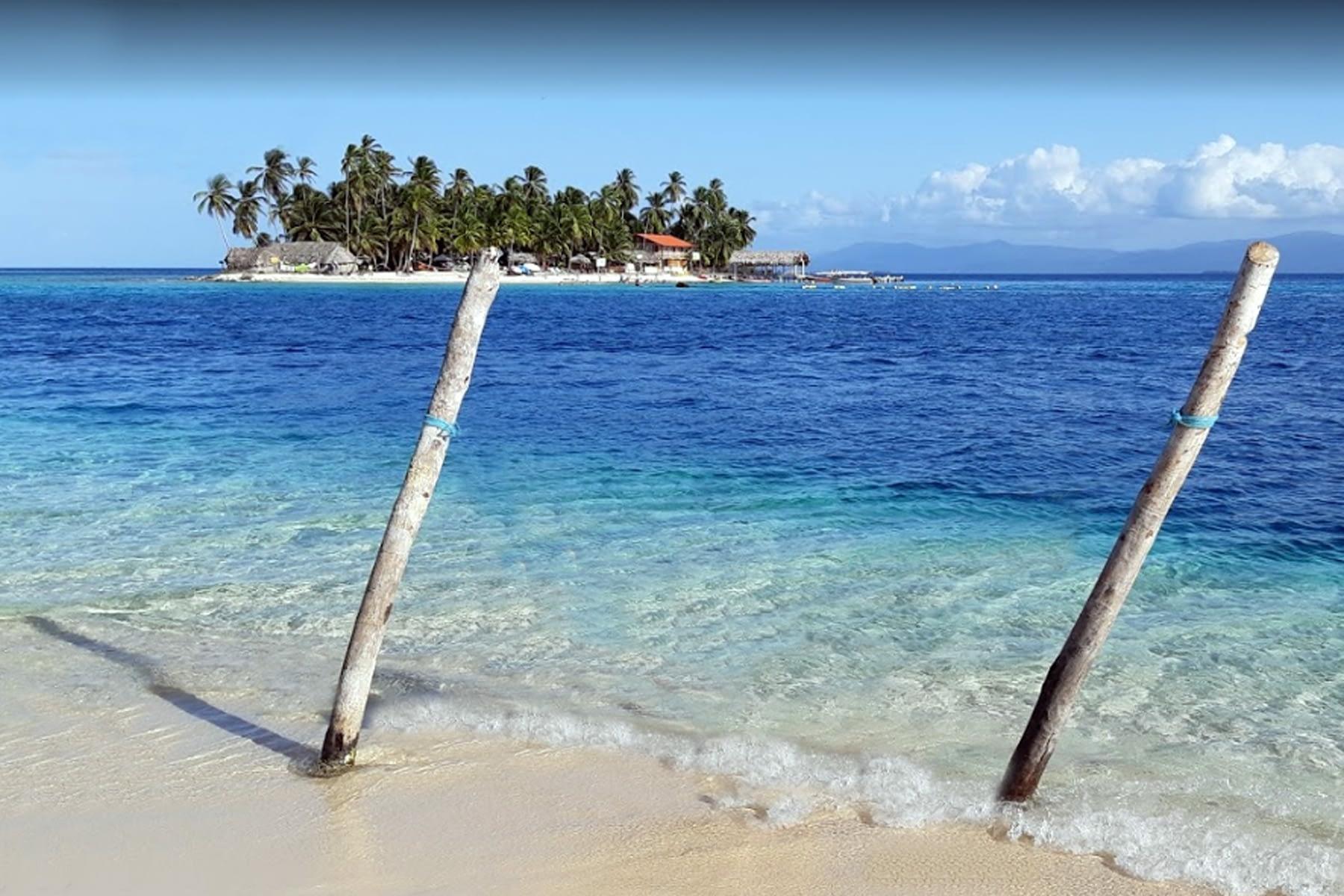 Playa en la isla Niadub