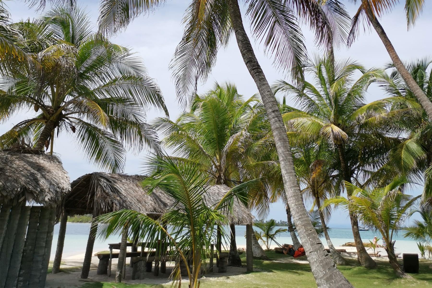 vista en el interior de una de las islas en Gaimadubgan