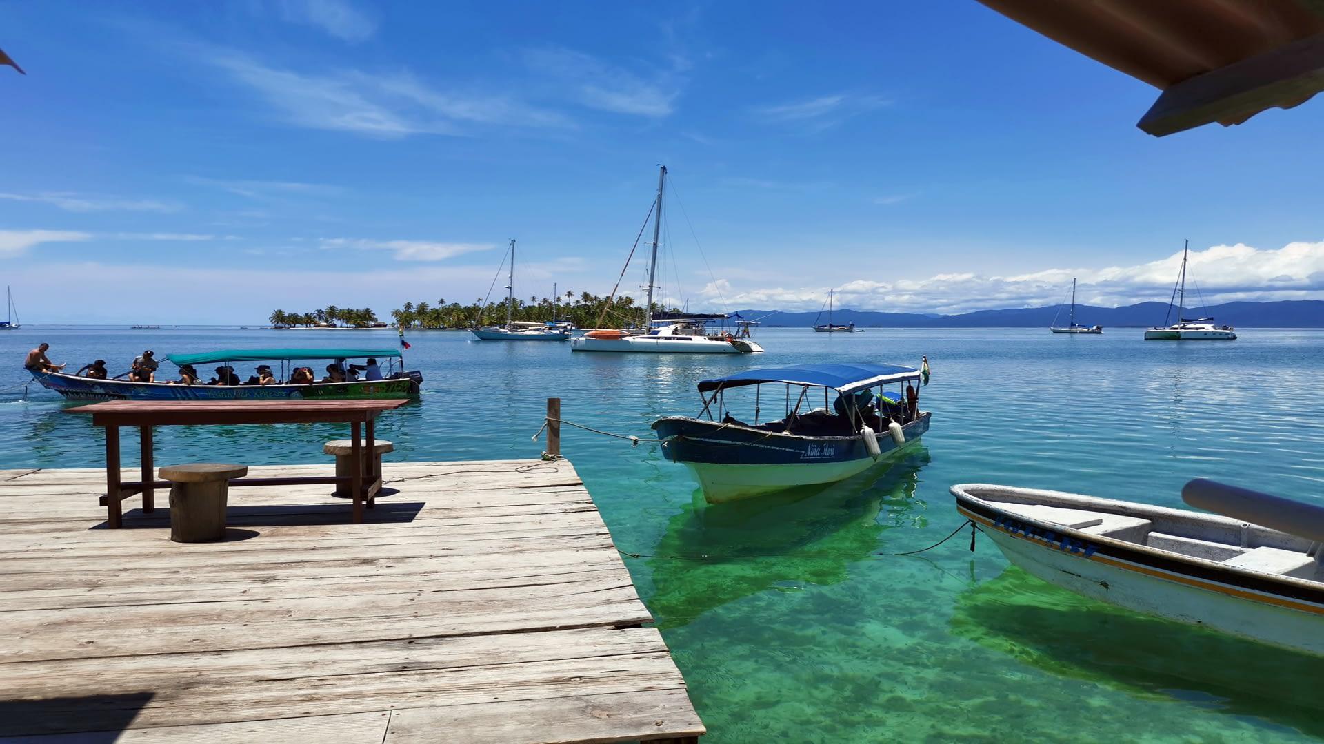 barco en isla banedub bibbi