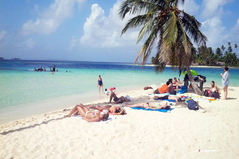 Playa de la isla Assudub Bibbi