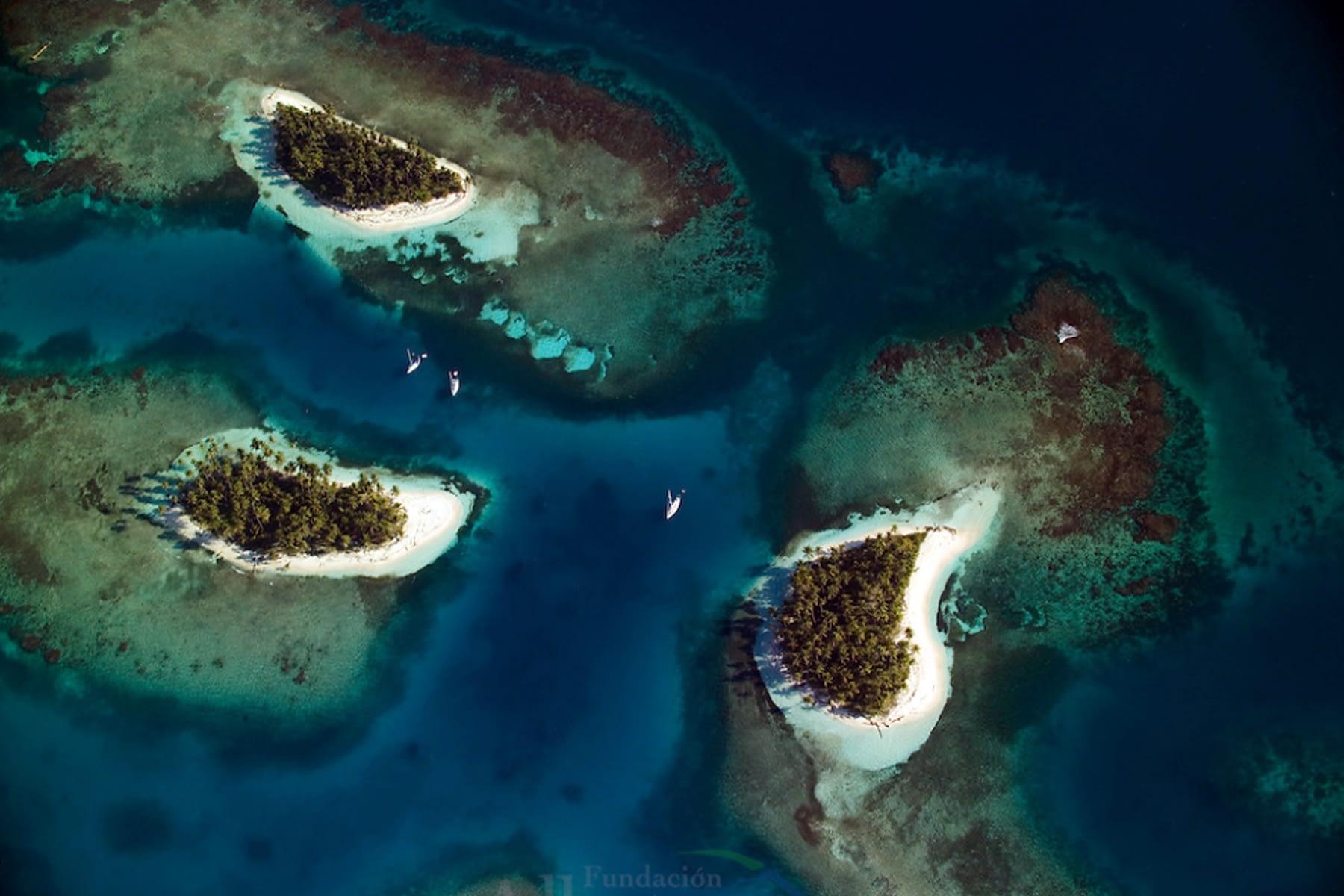 Conjunto de islas idílicas en Gaimaudubgan